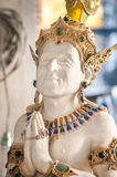 Staty av skådespelaren Jackie Chan på Wat Pariwat, Bangkok Royaltyfria Foton
