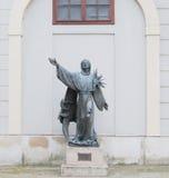 Staty av St Francis av Assisi Arkivbild