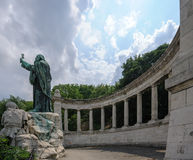 Staty av St Gerard Sagredo i Budapest royaltyfria foton
