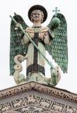 Staty av St Michael ärkeängeln Arkivfoto