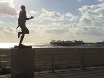 Staty av Steve Ovett på Brighton Seafront Arkivbild