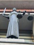 Staty av Themis i rätten Royaltyfri Foto