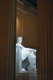 Staty av USA-presidenten Abraham Lincoln inom Lincoln Memorial Arkivfoto