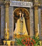 Staty av vår dam - kyrka av vår dam Royaltyfri Foto