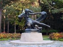 Staty - Egle drottningen av ormar, Litauen Royaltyfria Bilder