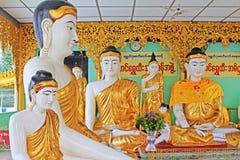 Staty för Buddha för Shwedagon pagod` s, Yangon, Myanmar Royaltyfri Bild