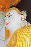 Staty för Buddha för Shwedagon pagod` s, Yangon, Myanmar Royaltyfri Foto