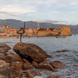 Staty för dansflicka i Budva, Montenegro Royaltyfri Foto