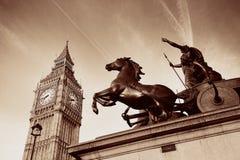 Staty för drottning Bodica i London Arkivbilder