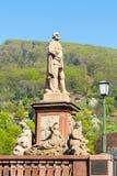 Staty i gammal stad av den Heidelberg Tyskland Arkivbilder