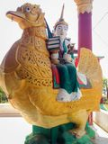 Staty i Kyaw Aung San Dar Monastery, Amarapura, Mandalay, Myan Royaltyfri Fotografi