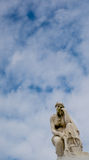 Staty i kyrkogård Arkivbilder