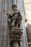 Staty i St Vitus Cathedral - Prague royaltyfri bild