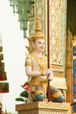 Staty i tempel Arkivfoton