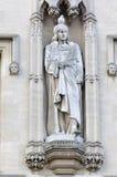 Staty med duvan på dess huvud Arkivfoton
