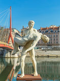 Staty nära floden Saone, Lyon arkivfoton