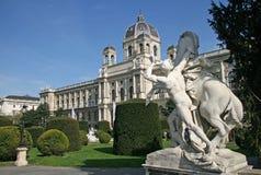 Staty nära museum av naturhistoria och Art History Museum i Wien, Österrike Royaltyfria Foton