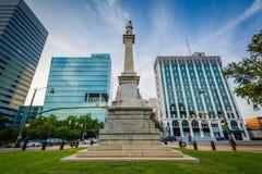 Staty och moderna byggnader i i stadens centrum Columbia, South Carolina Royaltyfri Bild