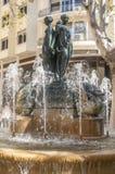 Staty och springbrunn Royaltyfri Bild