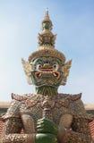 Staty på den Bangkok templet Arkivbilder