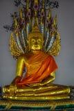 Staty på den buddistiska templet i bangkok Royaltyfria Foton