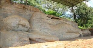 Staty på Gal Vihara i Polonnaruwa Royaltyfria Bilder