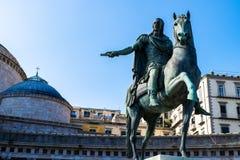 Staty på häst av Charles III av Spanien, Naples, Italien royaltyfri bild