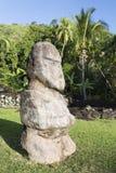 Staty på Marae Arahurahu, Pa'ea, Tahiti, franska Polynesien Royaltyfri Fotografi