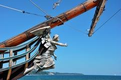 Staty på pilbågen av ett skepp Royaltyfri Foto