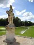 Staty på Vaux-le-vicomte: historisk trädgård, turism, Frankrike Royaltyfri Fotografi