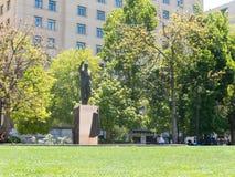 Staty till Eduardo Frei i Santiago de Chile som är främst av Måndagen Fotografering för Bildbyråer