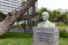 Staty till Jean Medecin i Nice Arkivfoton