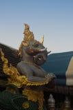 Statyelefant Erawan som är glåmig på Wat Phra That Doi Kham Chiang Mai, Royaltyfria Foton