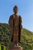 Statyer av Buddha på thipsukhontharam i Thailand Royaltyfria Bilder