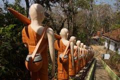 Statyer av buddistiska nunnor Fotografering för Bildbyråer
