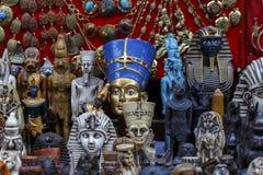 Statyer av den egyptiska farao i marknad Royaltyfri Fotografi