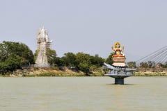 Statyer av hinduiska gudar Ganga och Shiva i Haridwar Royaltyfria Bilder