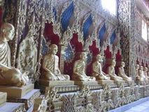 Statyer av munkar Arkivfoto