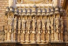 Statyer av Santa Maria de Montserrat Abbey i kloster av Monts Royaltyfri Fotografi