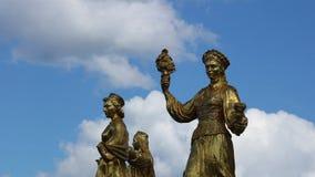 Statyer för Moskva VDNH arkivfilmer