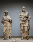 Statyer från mausoleum av Halicarnassus exibited i British Museum Royaltyfri Foto
