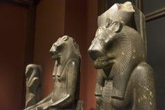 Statyer inom egyptisk och near östlig samling från museum av Art History, Wien, Österrike Arkivbilder