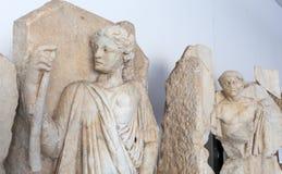 Statyer och lättnader i Aphrodisiasmuseet, Ayd? n Aegean region, Turkiet - Juli 9, 2016 arkivbild