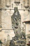 Statyer på den Charles bron, Prague Fotografering för Bildbyråer