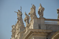 Statyer på den Lateran slotten Royaltyfri Foto
