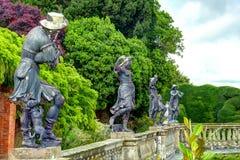 Statyer på den Powis slotten, Wales Arkivfoton