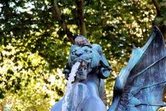 Statyer på fontaineSaint-Michel i Paris Frankrike Arkivfoton