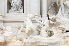 Statyer på Fontana di Trevi Royaltyfria Foton