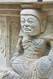 Statyer som snidas i stenen Guilin Kina Arkivfoton