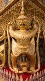 Statyerna av Krut som slåss nagaormen Royaltyfria Bilder